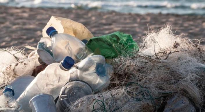 PlasticLess-Hotel--la-nuova-campagna-ambientale-BW-e-al-via